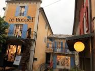 """Die """"Librairie Le Bleuet"""" in Banon ..."""