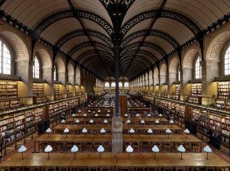 Die Bibliothèque Sainte-Geneviève in Paris Foto: Massimo Listri/Taschen Verlag